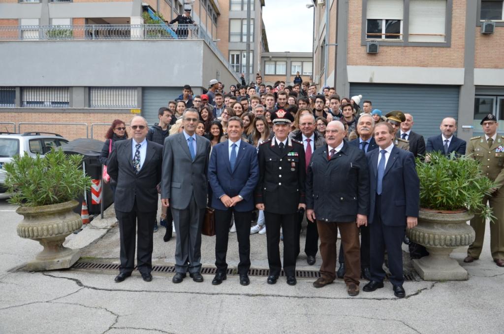 """Il """"Club Ufficiali Marchigiani"""" e l'Arma dei Carabinieri incontrano gli studenti di Ancona"""